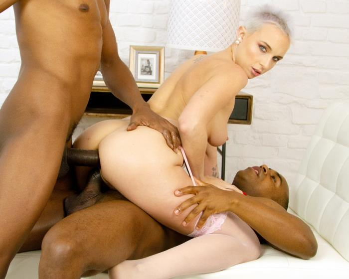 [LegalPorno.com] Chantilly - Chantilly First Time Hardcore Double Penetration With BBC For AnalManiacs LD004 (2020)